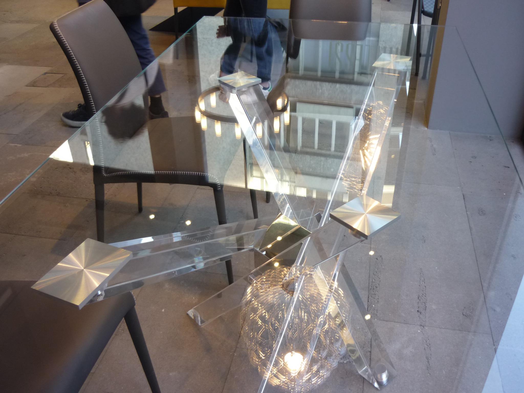 Tavolo Shangai Riflessi con struttura trasparente