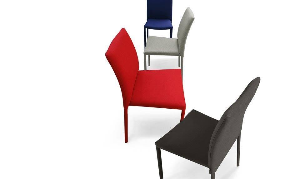sedia impilabile riflewsi