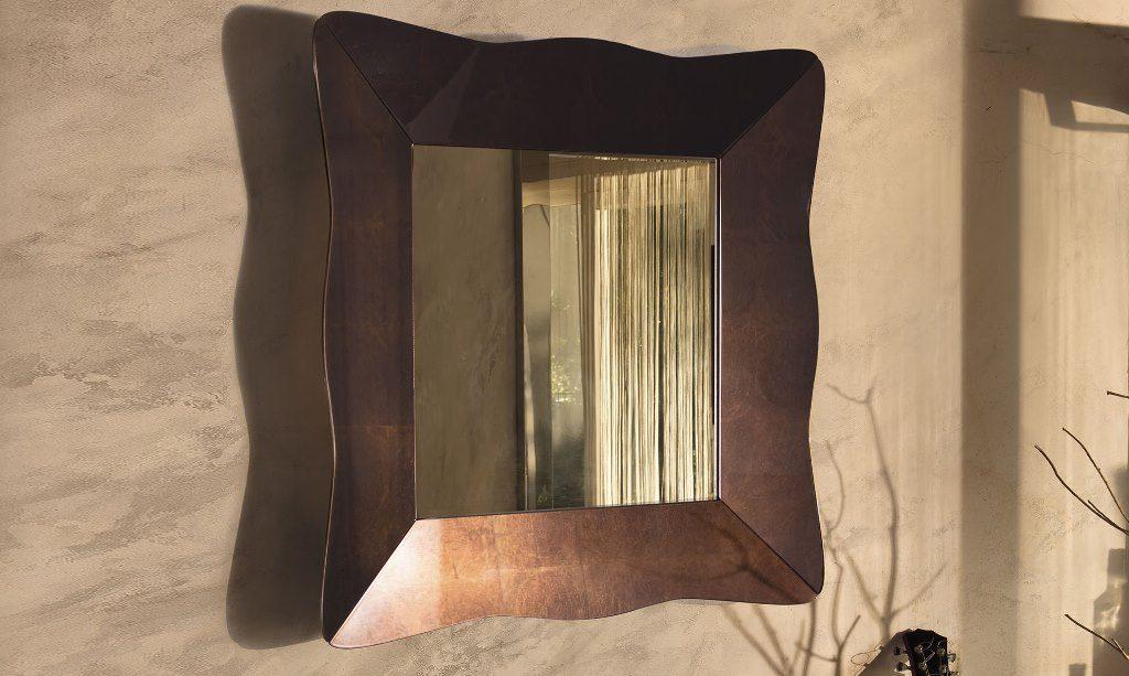 Specchio Nausica Riflessi, Cornice sagomata specchiante