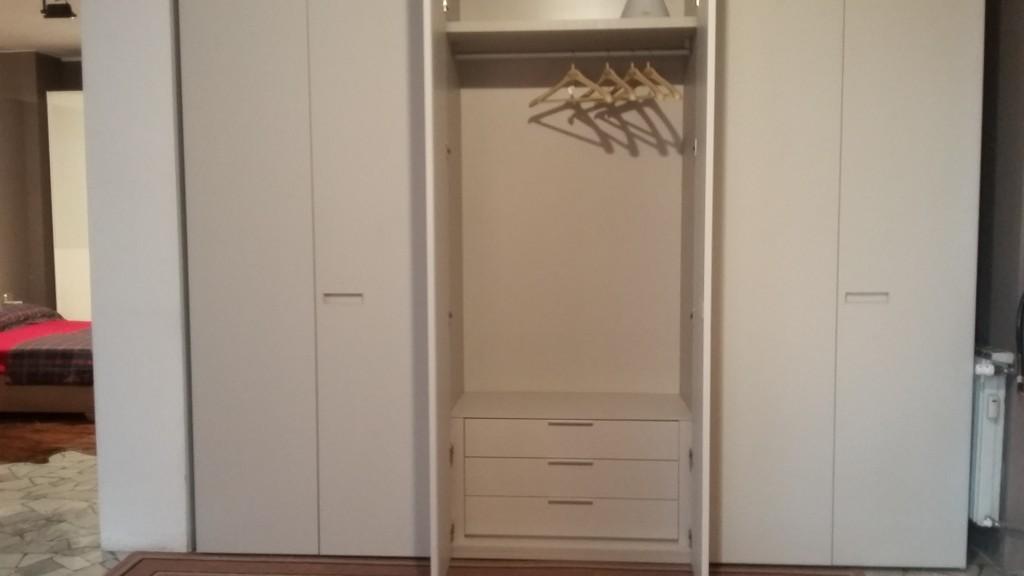 attrezzatura interna armadio 6 porte battente