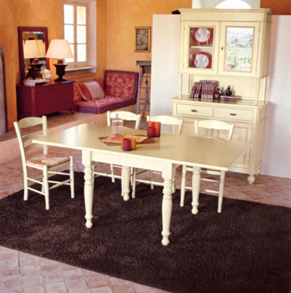 Tavolo stile classico