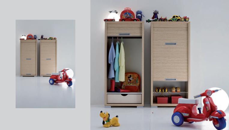 Mobili per ripostiglio con anta serrandina e idee salvaspazio - I mobili nel guardaroba ...