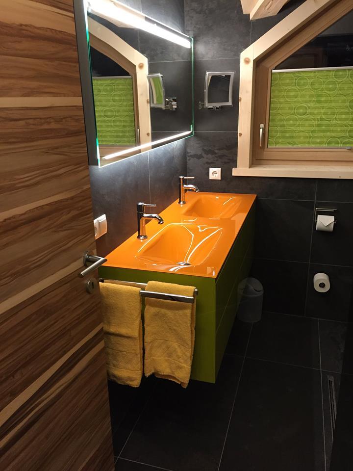 Bagno doppio lavandino e doppio specchio - Lavandino in vetro bagno ...