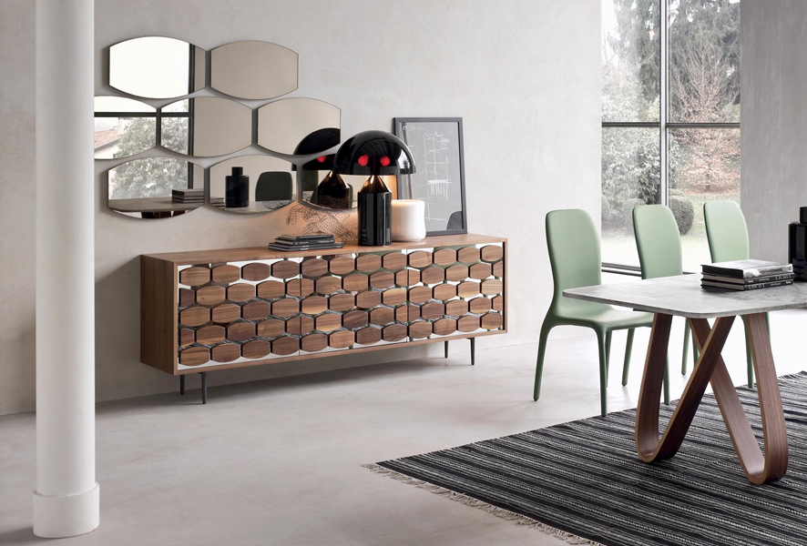Specchio moderno Skin Tonin Casa bronzeo o argentato.