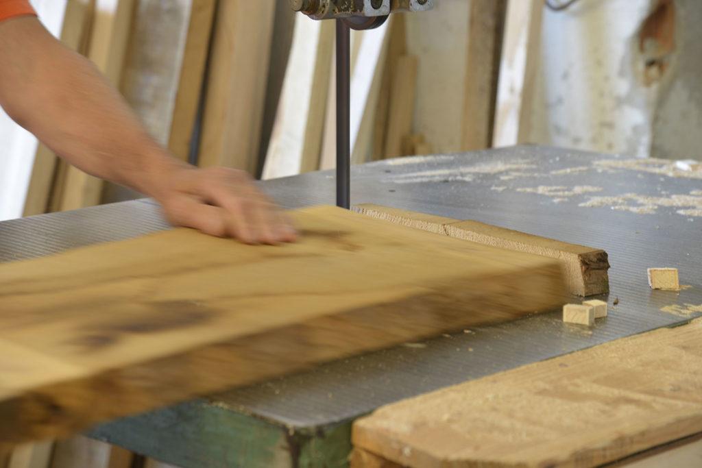 Tavolo da falegname con cassetto in vero legno di castagno for Progettazione di mobili lavorazione del legno