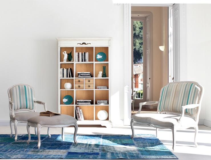 libreria in legno bianco