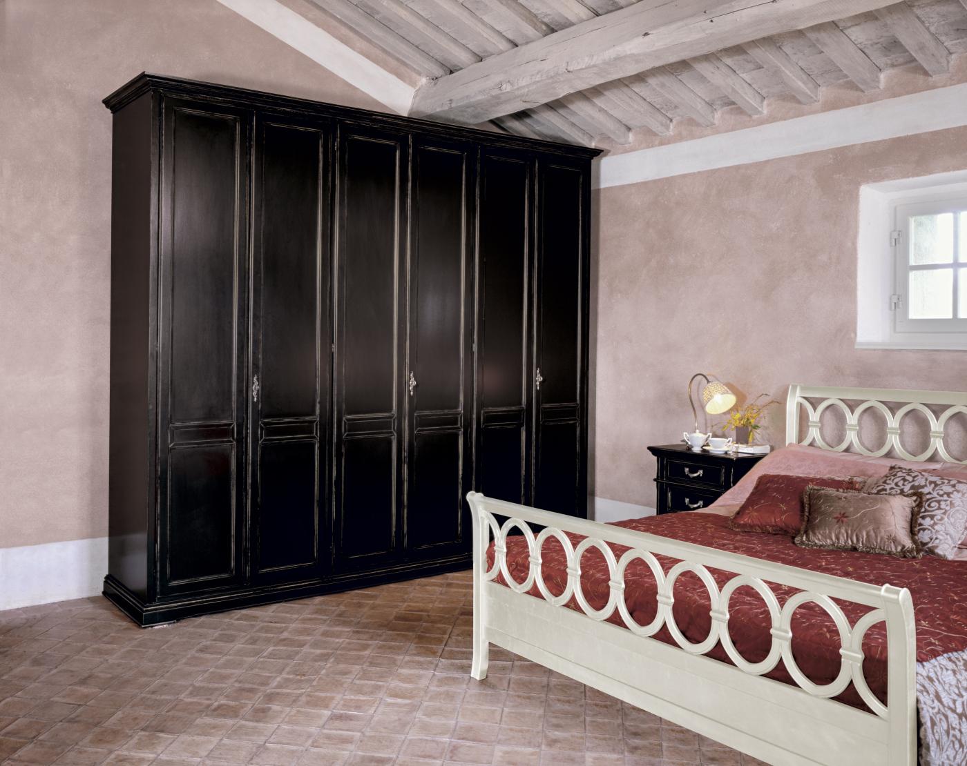 Tutti i complementi notte in stile classico di tonin casa for Casa stile classico