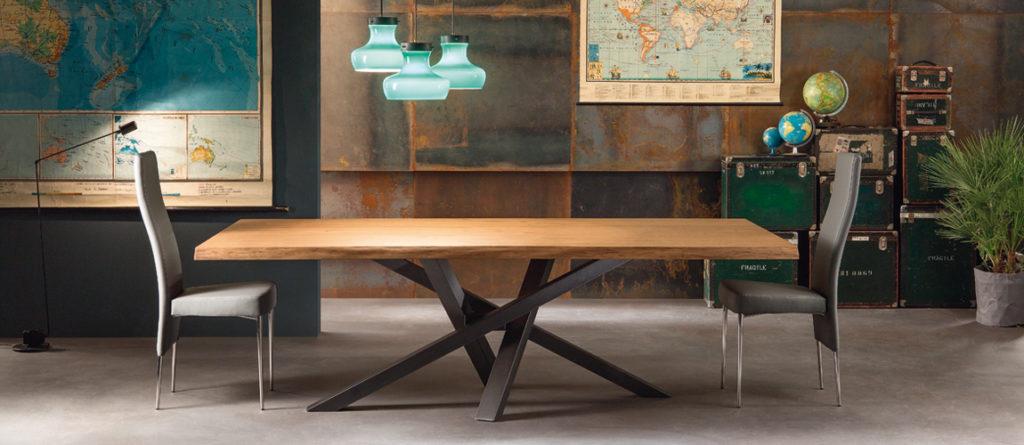 tavolo legno shangai riflessi