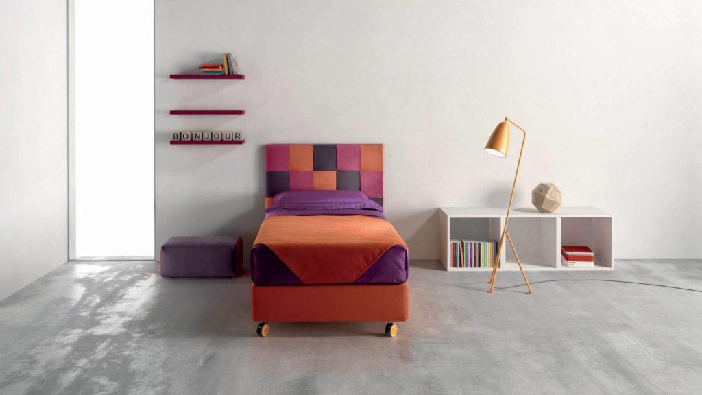 letto colorato arancione